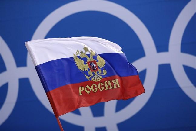 Den ryska flaggan får sannolikt inte hissas i OS i Tokyo nästa år efter att Wada stängt av rysk idrott.
