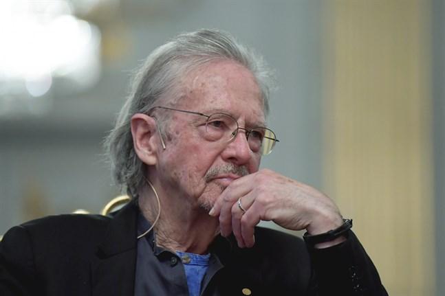 Albaniens ambassadör närvarar inte när Peter Handke tar emot Nobelpriset.