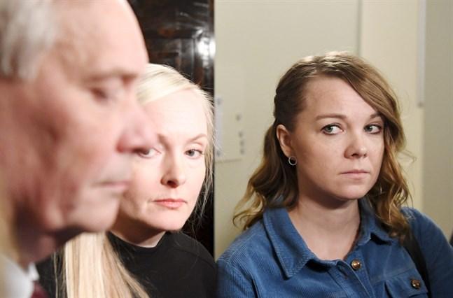 Centerns ordförande Katri Kulmuni (till höger) kommenterar Antti Rinnes (SDP) avgång som statsminister i ett inlägg på Facebook.
