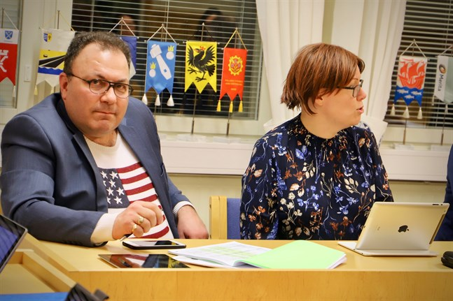 Mikael Nordmyr (SFP) vill se en positivare anda som ger kringeffekter i Korsnäs. Johanna Juthborg (SFP) anser att Korsnäsborna gott kan skryta om hur bra de har det.