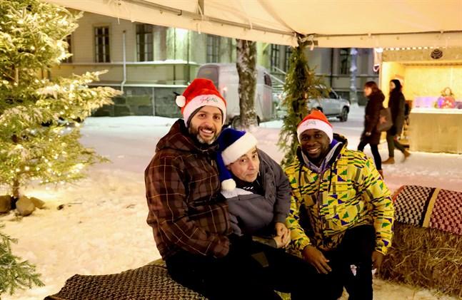 Bassel Dalloul, Francis Oyeyiola och Cosimo Galiano är eldsjälarna bakom Julfiilis. De vill erbjuda Vasaborna en trevlig upplevelse i juletid.