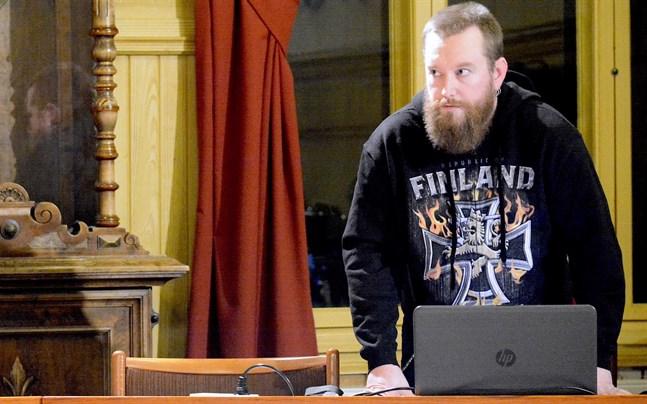 Sannfinländarnas Jukka Salo säger att det gått ganska lätt att hitta kandidater i Kaskö. Fusionsfrågan inverkar, bedömer han.