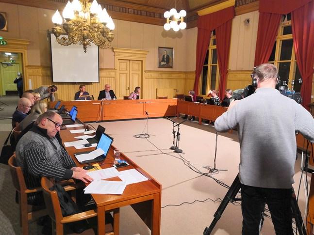 Sydin/VBL rapporterar direkt från stadsfullmäktiges möte i Kaskö.