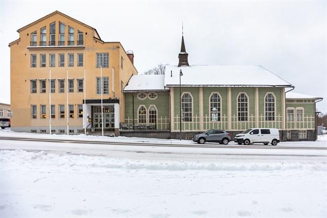 Strandis tar över Jugend Home Hotel.
