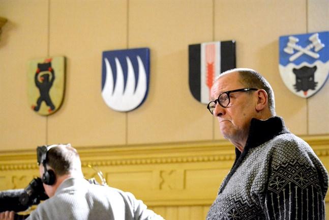 Kasköpolitikern Lars Piira skulle gärna se ett nytt försök med fusion med Närpes.