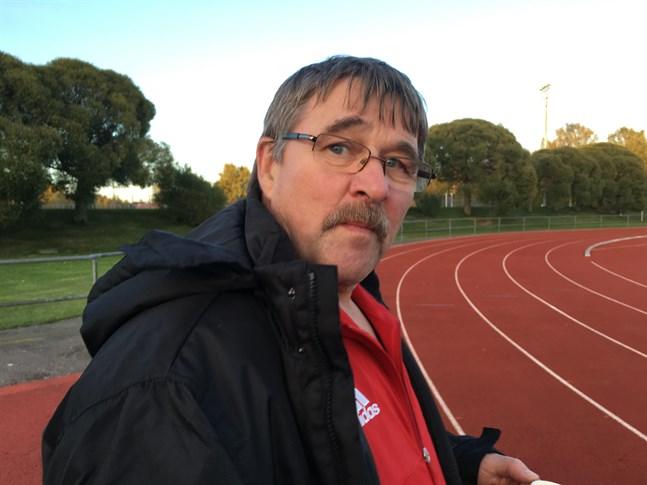 Bengt Back stiger av som ordförande för Korsnäs FF.