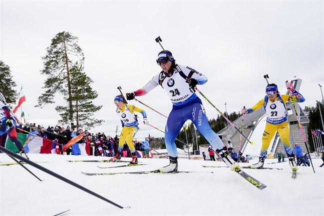 Runt skidanläggningen i Holmenkollen i Oslo, där skidskyttarna hade en världscuptävling tidigare i år, är marken förgiftad av fluorvalla.