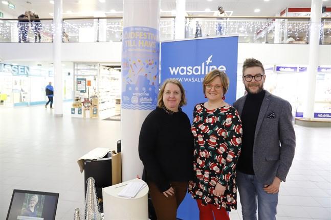 Malin Wälitalo-Palo, Mikaela Smedlinga och Thomas Lundin ser framemot att träffa slöjdentusiaster på nästa års slöjdfestival.