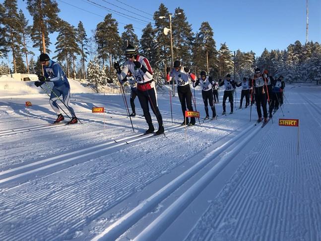 I fjol lockade Varggrotteloppet få deltagare då det var minus tjugo grader vid starten. Nu gör den milda vintern att loppet måste flyttas fram.