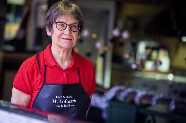 Carita Löfmark vill gärna fortsätta jobba.