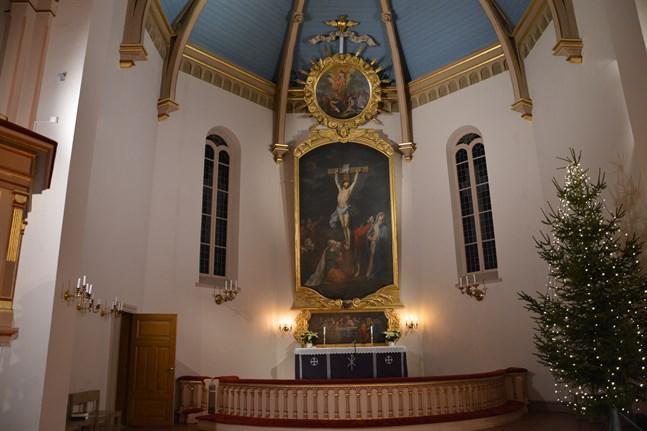 Altartavlan i Kristinestads kyrka har tagits ner och ska konserveras.