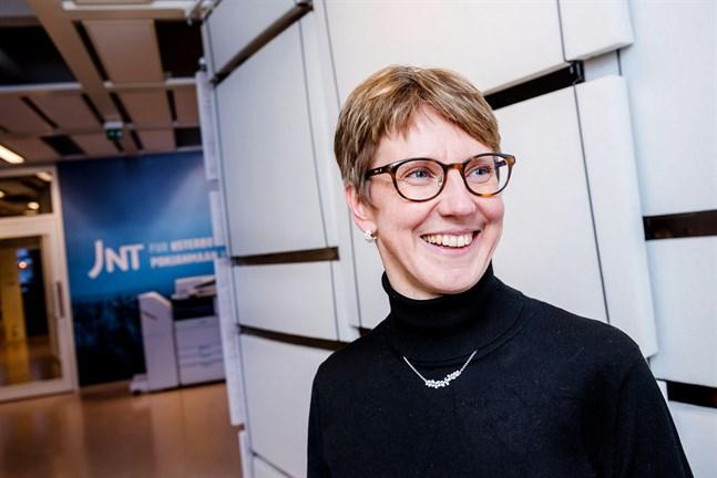 Vd Maria Höglund kan glädjas över DNA-pengarna som gör att JNT kan investera ännu mera i en fiberutbyggnad i Österbotten.