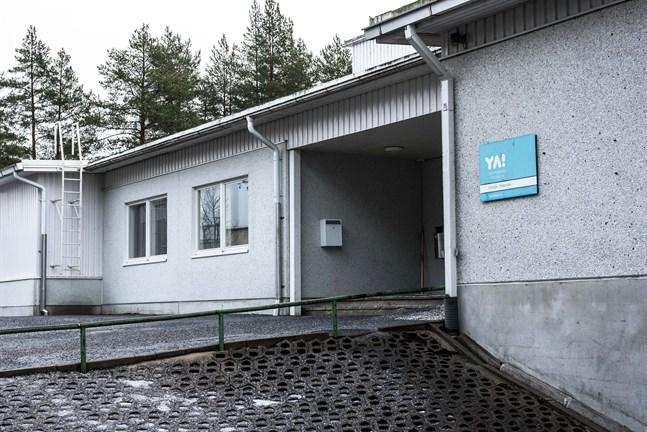 Yrkesakademins lokaler på Sursikbacken i Pedersöre behöver saneras ytterligare.