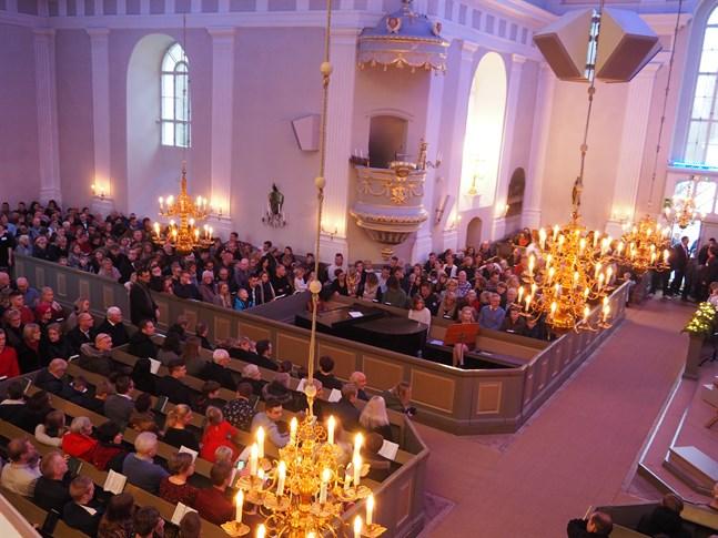 Pedersöre kyrka. Arkivfoto.