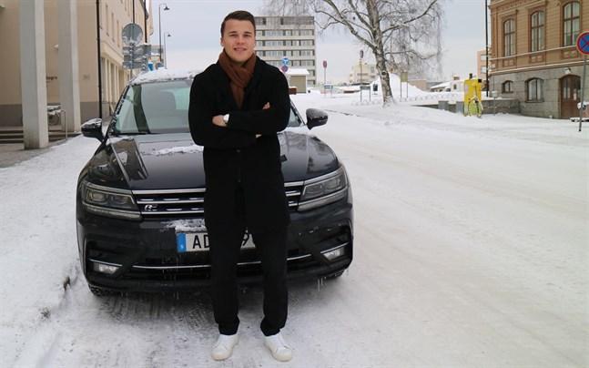 Simon Skrabb hemma i Jakobstad under mellandagarna. Strax efteråt blev det klart att han flyttar från Norrköping i Sverige till Brescia i norra Italien.