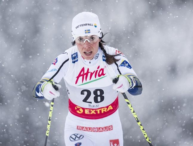 Charlotte Kalla tror inte på seger i Tour de Ski. Arkivbild.