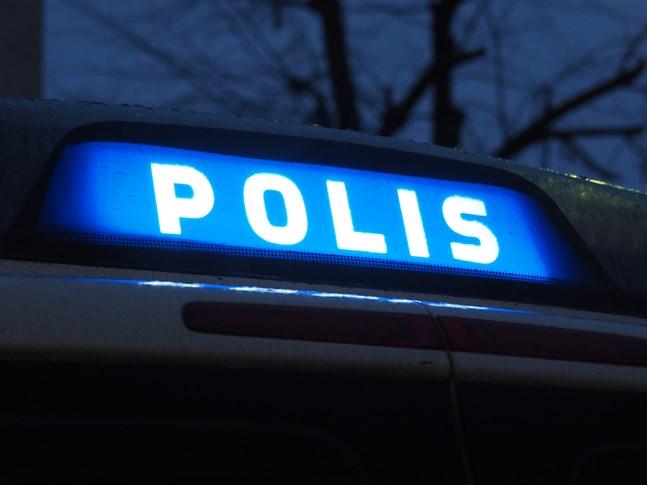 Polisen vid Österbottens polisinrättning har varit fullt sysselsatta under helgen.