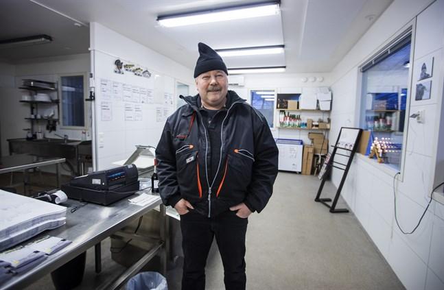 Rune Cederberg har haft fiskbutiken Kala Fisk R. Cederberg i tio år. Nu vill han börja gå i pension och söker någon som vill ta över verksamheten.