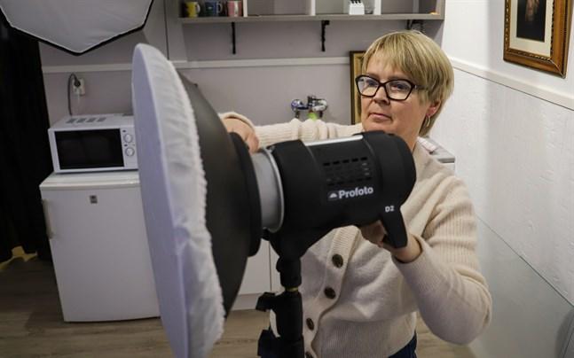 Camilla Andersson öppnar fotostudio på Skeppsgatan.