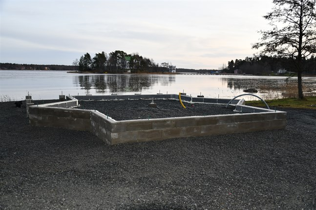 Ny campingstuga byggs vid vattenbrynet vid Bockholmens camping.