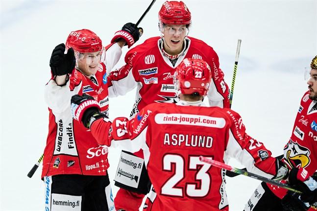 Valtteri Viljanen (till vänster) var Sports bästa back den här säsongen.