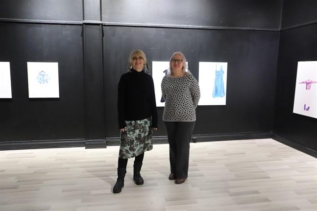 Anna-Lena Törnström och Paula Blåfield är glada att konstnärsutbytet mellan Umeå och Vasa får en nystart.