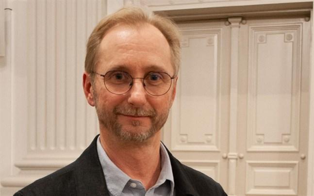 Ralf Nyqvist är aktuell med sitt första soloalbum.