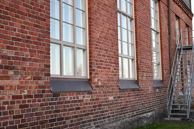 Finns det försvunna pappret fortfarande någonstans bakom väggarna i kulturhuset Dux där mötet hölls?