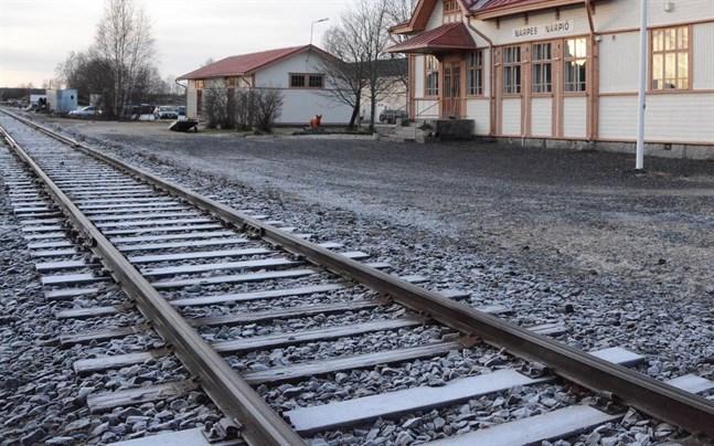 Kaskö deltar med drygt 700 euro i utredningen om eventuell persontrafik på järnvägen mellan Seinäjoki och Kaskö.