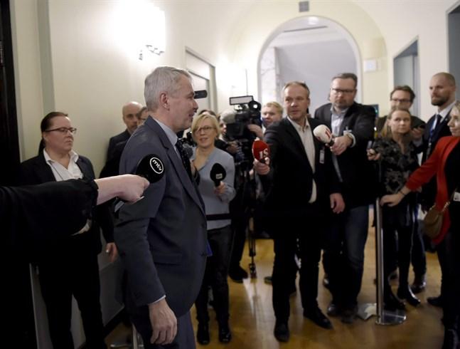 I dag, tisdag, hörs utrikesminister Pekka Haavisto (Gröna) om hans hantering av de finländska medborgarnas situation i lägret al-Hol i Syrien.