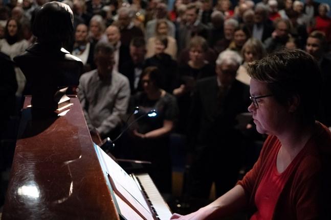 Fjolårets Topeliusfest drog fullt hus. I år hålls festen vid Scala i vanlig ordning, men publiken får delta hemifrån.