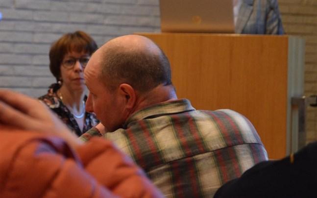 Tomas Teir från Sideby var en av dem som hade synpunkter på vindkraft, då planläggningsdirektör Ann Holm presenterade landskapsplanen i Närpes i januari. Men de många anmärkningar om vindkraften som inlämnades beaktas inte nu.