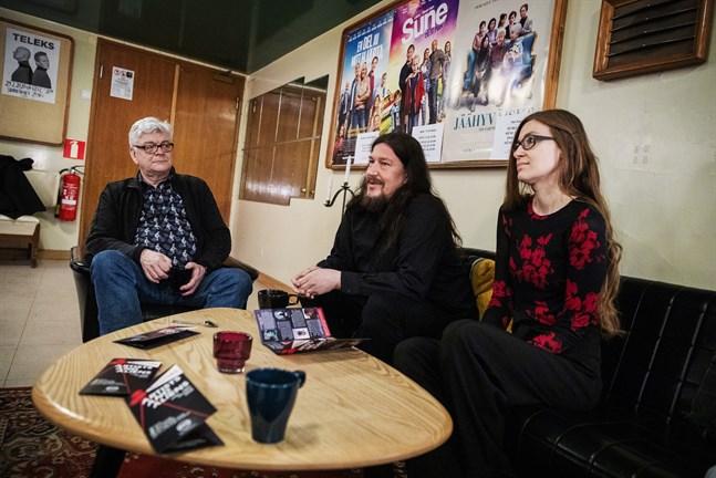 Nils Sundquist, Michael Vogt och Saara-Mari Kontiokoski ingår i projektgruppen som arbetat med filmfestivalen Artists and Aliens på Ritz.
