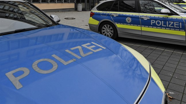 Tyska myndigheter utreder tre personer under misstanke om att de spionerat för Kina.