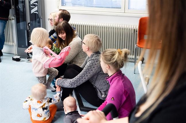 De föräldrar som hade hoppats på ett nytt daghem i Pensala hänvisas även i fortsättningen till daghemmet i Jeppo där det finns plats för de tio Pensalabarn som till hösten behöver en dagisplats.