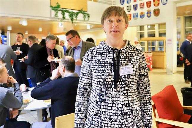 Elina Ihamäki-Närkki tycker att bristen på arbetskraft är den största utmaningen just nu.