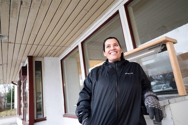 Masuda Ajab Gul-Huhtamäki ser framemot att servera Jakobstadsborna mat som minner om hennes hemtrakter.