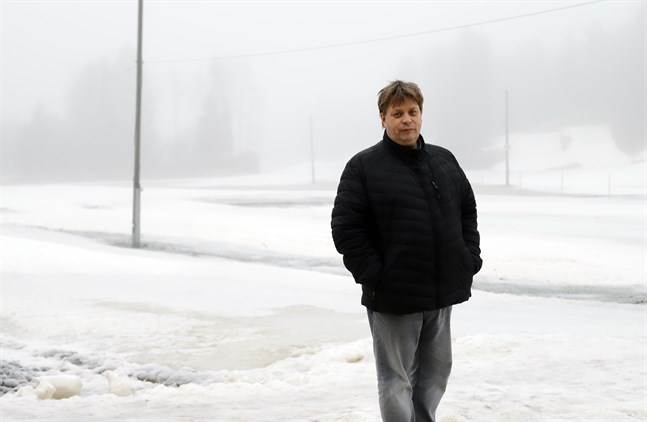 Niklas Enlund har spenderat otaliga timmar vid Vörå skidcentrum.