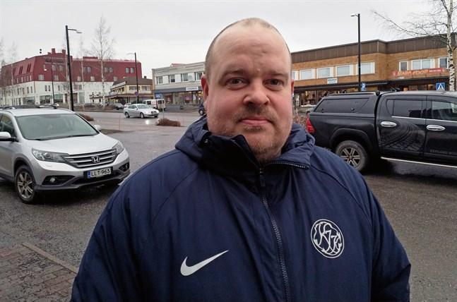 Slutet på säsongen blev ev besvikelse och nu får Kaskö IK ta nya tag i division fyra. Johan Bärnlund slutar som tränare och föreningen har börjat leta efter en ny.