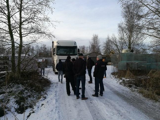 Jag sympatiserar djupt med finländska farmägare, men deras extrema beteende har skadat andan hos den fria handeln, skriver Pan Jianping.