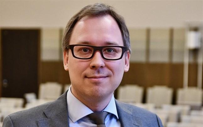 HFD:s kanslichef Emil Waris säger att målet med ändringen är att försnabba behandlingen av besvär och höja kvaliteten på avgörandena.