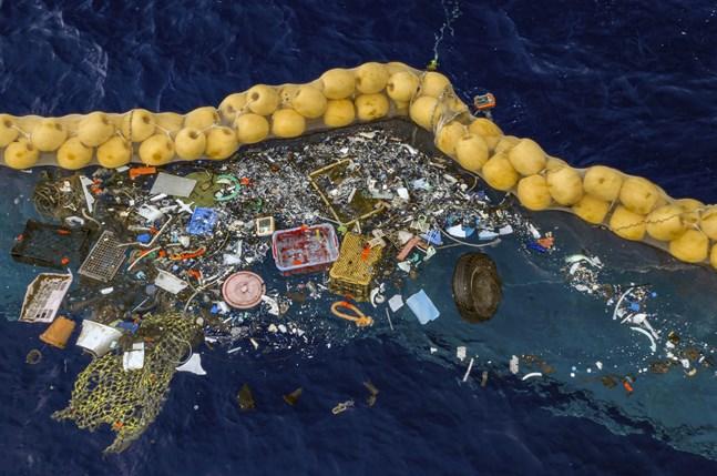 FN har pekat ut plast för engångsbruk som ett stort klimatproblem. Stora mängder antingen grävs ned, dumpas i vattendrag eller hamnar i havet. Kina försöker nu minska användningen av plast genom att införa flera förbud. Arkivbild.