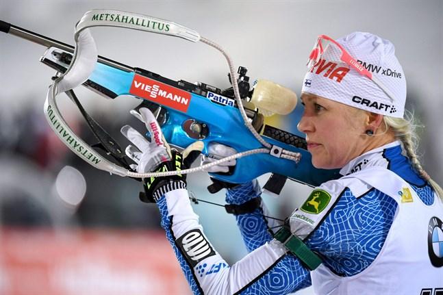 Kaisa Mäkäräinen var inte nöjd med vare sig åkningen eller skyttet i mixedstafetten.