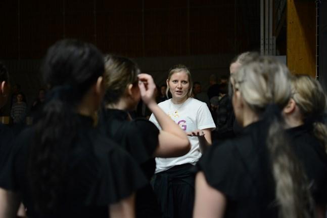 Sandra Sundlin konstaterar att Flow Dance Company har en del planer på gång just nu. Coronaläget avgör hur de kan genomföras.