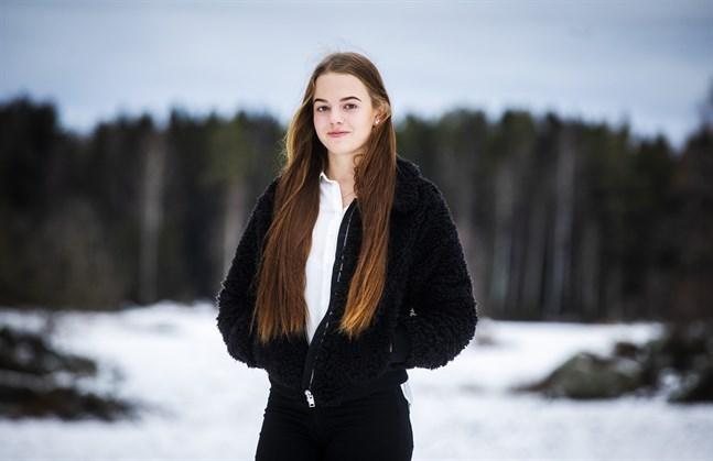 18-åriga Jenny Granfors från Vörå är i dag helt frisk från leukemin.