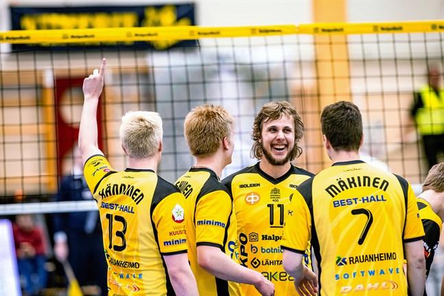 Jiri Hänninen, Oskari Keskinen, Antti Leppälä och Jere Mäkinen fick fira en tvåpoängare hemma mot Hurmos.
