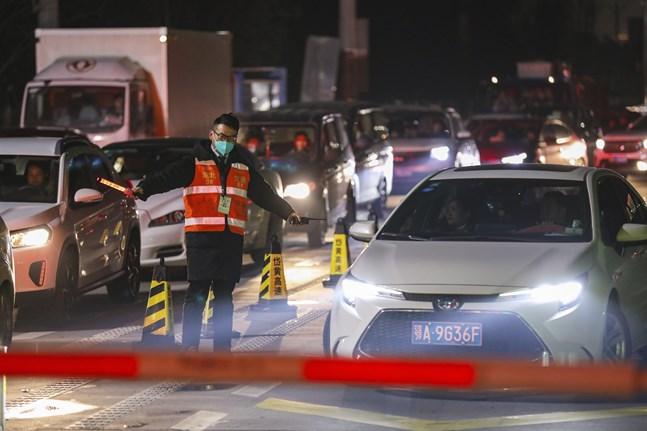 En vägtull i Wuhan, där utbrottet först upptäcktes.