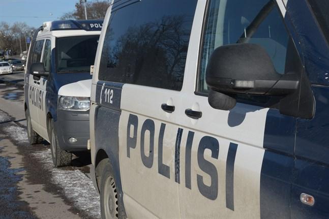 En man omkom efter en våldsam konfrontation med polisen i Helsingfors i november i fjol.