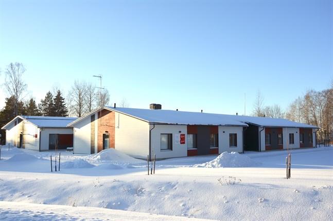 Det tre år gamla Ulrikahemmet står just nu tomt. Esperi Care och Kristinestad ska så småningom diskutera serviceboendets framtid.