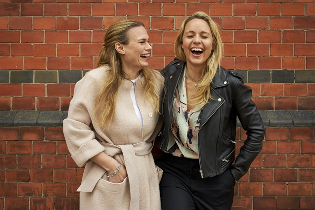 Lina Nertby Aurell och Mia Clase söker nya medlemmar till sitt jaktlag.